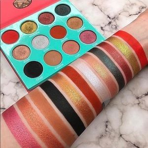 Juvia's Place Saharan Palette with Box